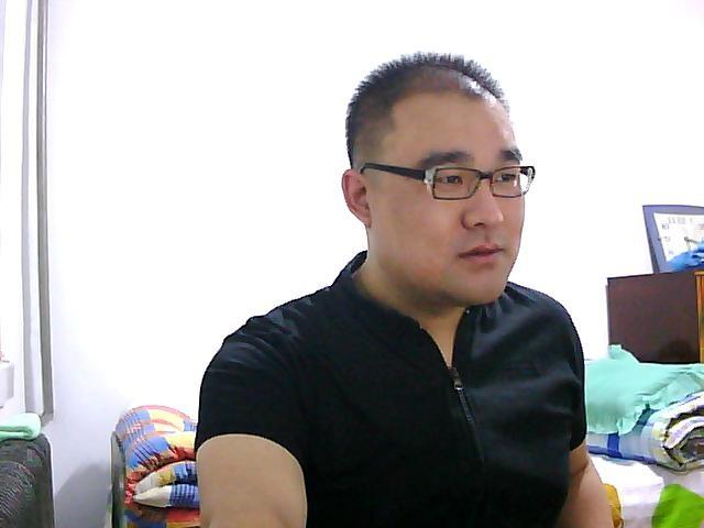 龙魂:真男人照片show